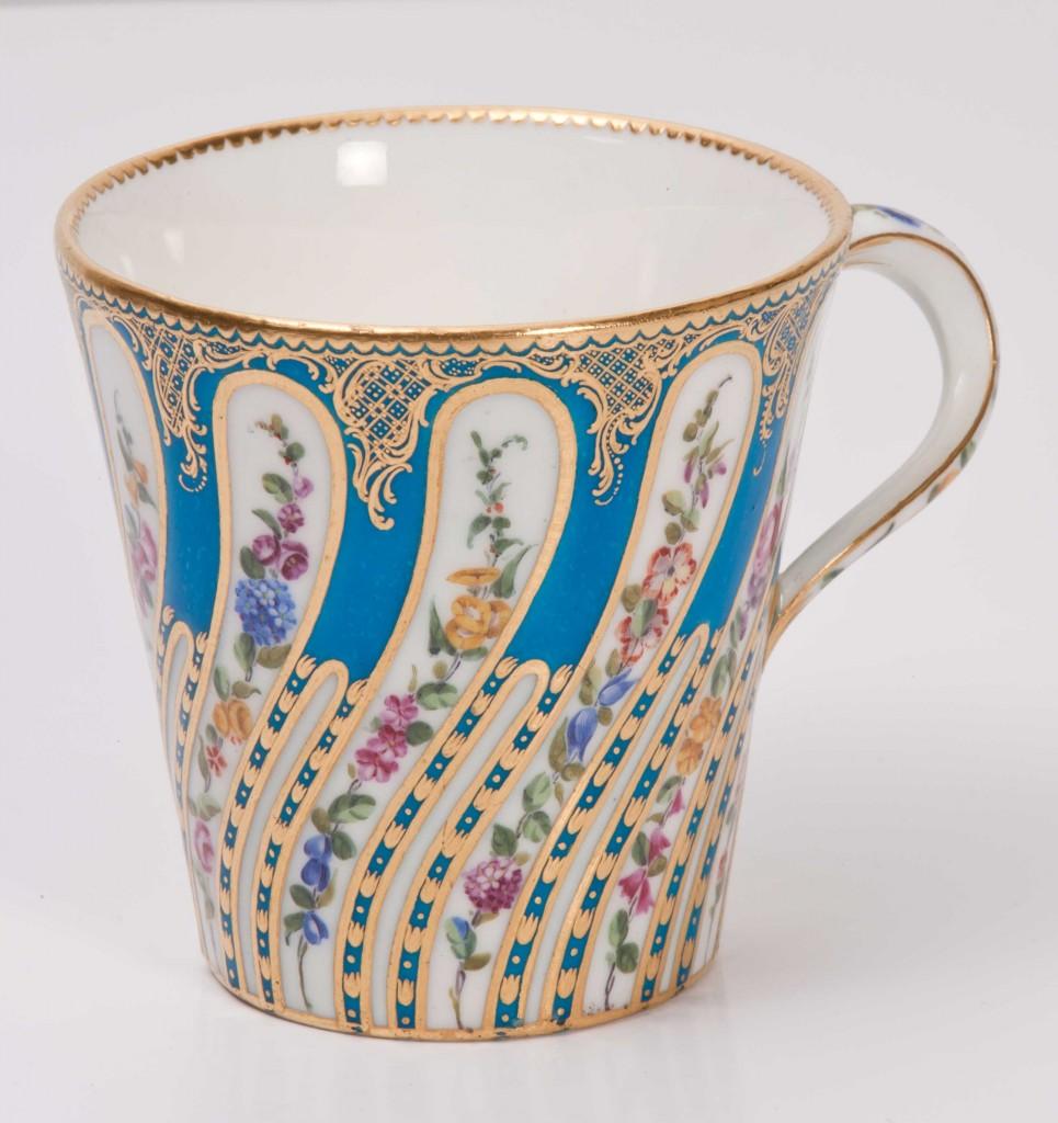 Exposition Harewood 2014 porcelaine royale Sèvres HHTC.2001.2.11a-965x1024