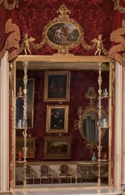 Harewood near Leeds has George III Chippendale mirrors