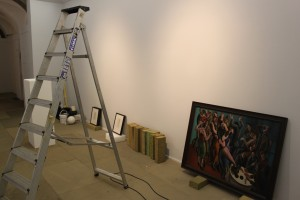 Installing the exhibition credit Oliva  (2)