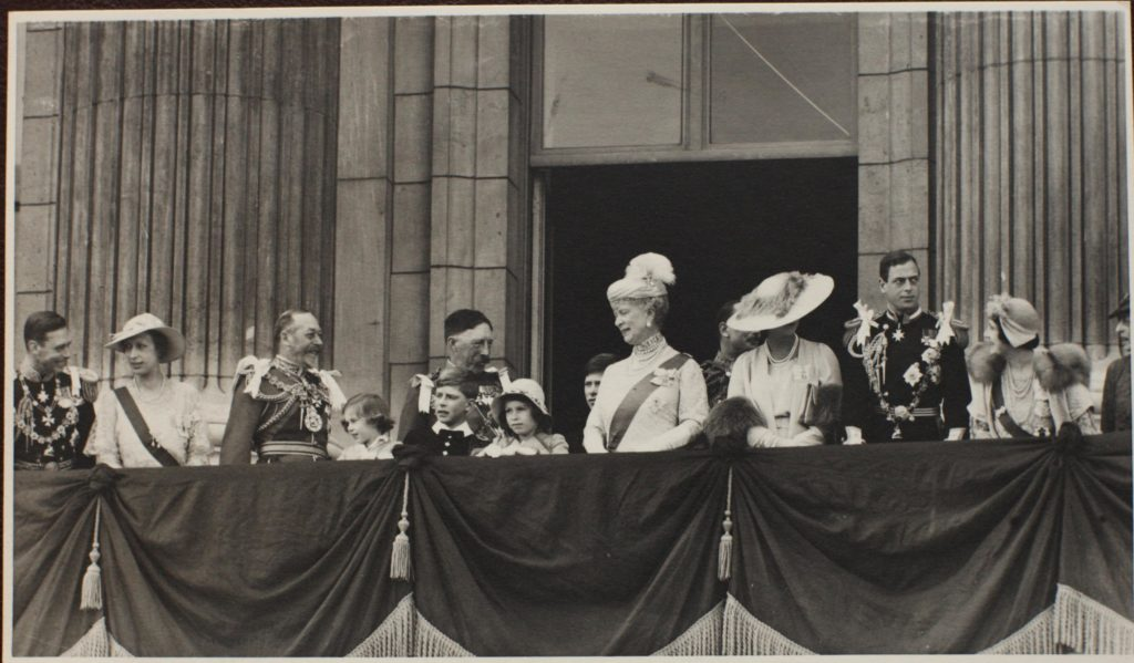 The balcony at Buckingham Palace, Silver Jubilee 1936