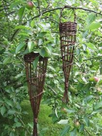 Willow Bird Feeder Workshop with Leilah Vyner (AM)